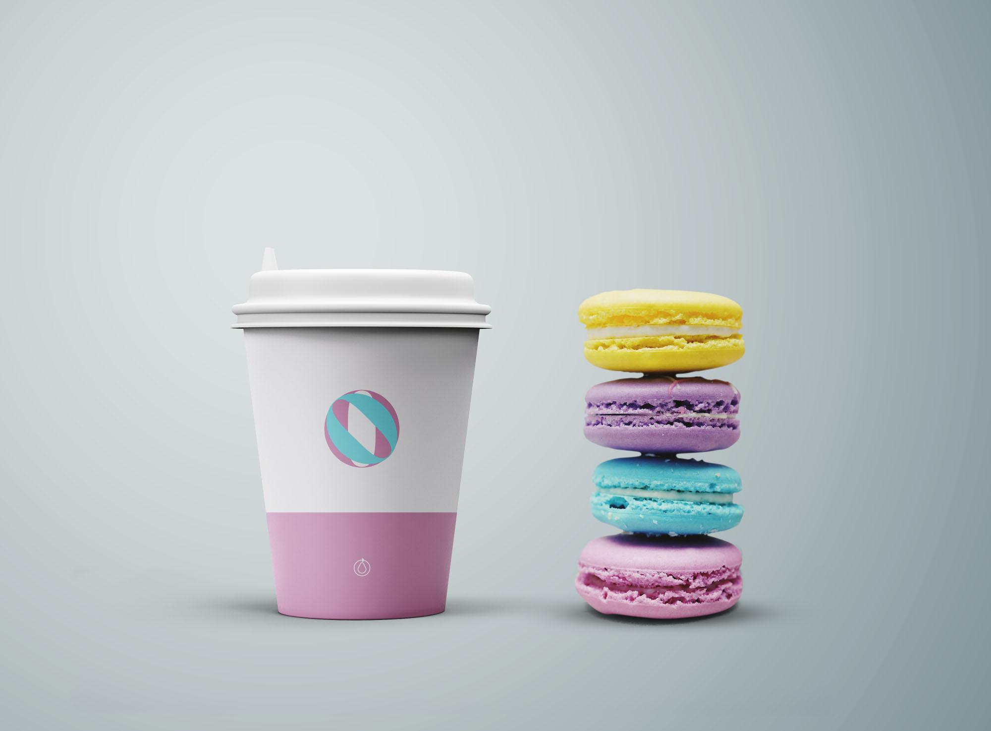 咖啡杯和饼干样机